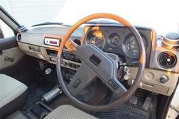 http://www.klasse-group.com/stockcar/2012/04/DSC13658551w405-thumb.jpg